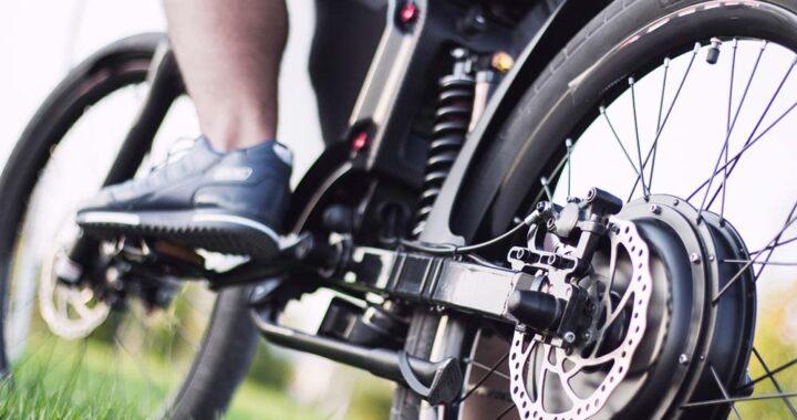 Comment lier activité sportive et pratique du vélo électrique ?